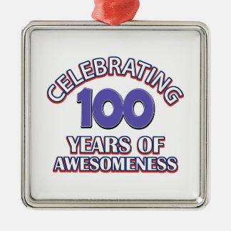 100 conceptions de cadeau d'an ornement carré argenté