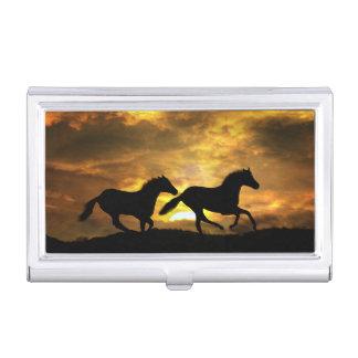 2 chevaux fonctionnant dans le carte de visite étui pour cartes de visite