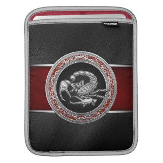 [300] Scorpion argenté sacré sur le noir Poche iPad