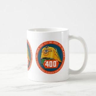 """~ 400 """"le train qui donne le pas """" mug"""