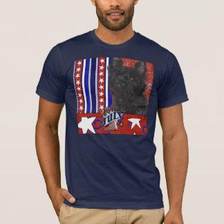 4 juillet pétard - cairn Terrier - Rosco T-shirt