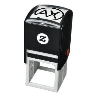 A et individu de monogramme de X ont encré le Tampon Auto-encreur