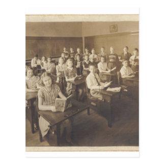 À l'école carte postale