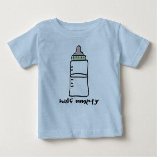 À moitié vide - un T-shirt drôle de bébé