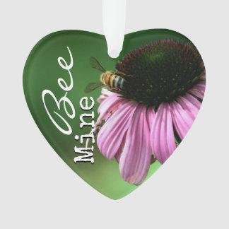 Abeille sur la fleur avec le texte de cliché