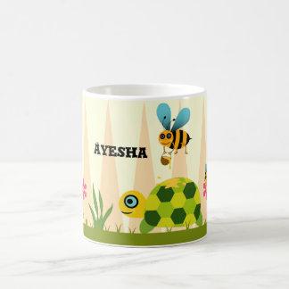 Abeilles de miel et tasse de classique de tortue