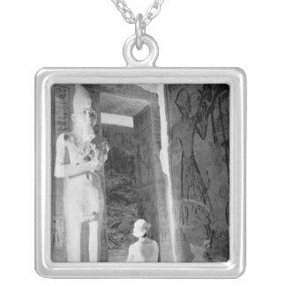 Abu Simbel Egypte, touriste à l'intérieur du Collier