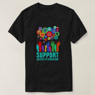 """""""Accès de soutien réforme d'éducation à éducation"""" T-shirt"""