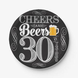 Acclamations et bières à 30 ans de plaques à assiettes en papier