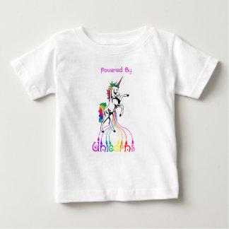 Actionné par le T-shirt de bébé de licornes