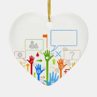 Affaires de main ornement cœur en céramique