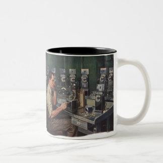 Affaires vintages, dépanneur de téléphone de mug bicolore