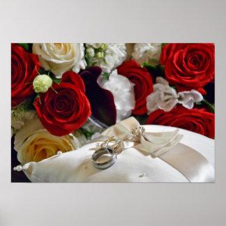 Affiche d'anneaux et de roses de mariage