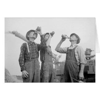 Agriculteurs buvant Beer, 1941 Carte