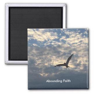 Aimant de abondance d'oiseau de foi