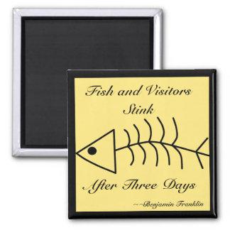 Aimant de puanteur de poissons et de visiteurs