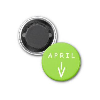 Aimant de vert jaune de flèche d'avril petit par