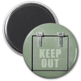 Aimant empêchez d'entrer la porte en métal