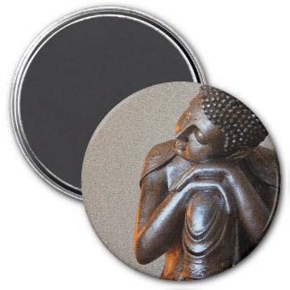 Aimant Fermez-vous de Bouddha argenté paisible