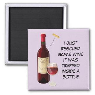 Aimant Illustration de bouteille et en verre de vin