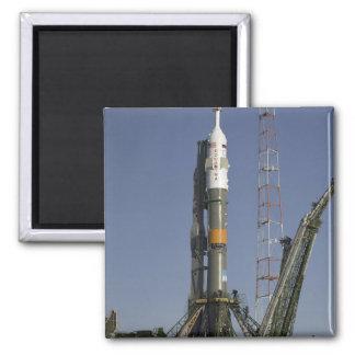Aimant La fusée de Soyuz est érigée en le place 2