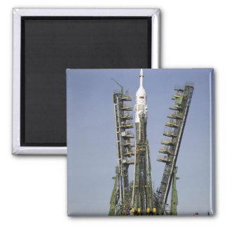 Aimant La fusée de Soyuz est érigée en le place 4