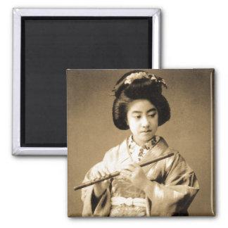 Aimant La sépia vintage a modifié la tonalité le geisha