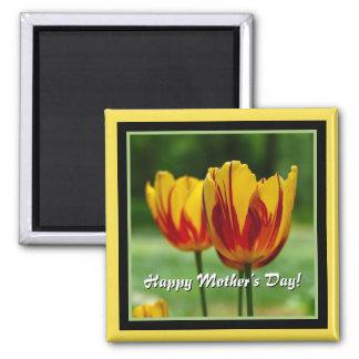 Aimant Le jour de mère heureux ! Rouge jaune de tulipes