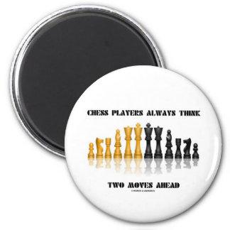 Aimant Les joueurs d'échecs pensent toujours deux aller