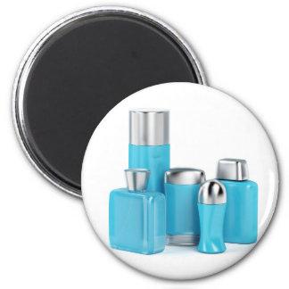 Aimant Les produits cosmétiques des hommes sur l'arrière