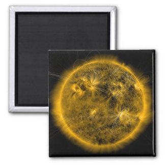 Aimant Lignes de champ magnétique le Sun
