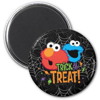 Aimant Monstre de biscuit et Elmo - des bonbons ou un