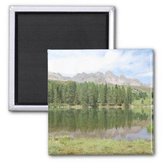 Aimant Montagnes de marmolada de lac dolomites