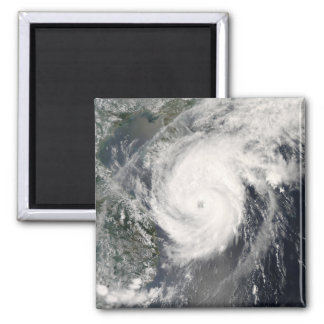 Aimant Ouragan Neoguri approchant la Chine 2