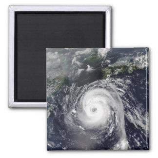 Aimant Ouragan Sinlaku 2