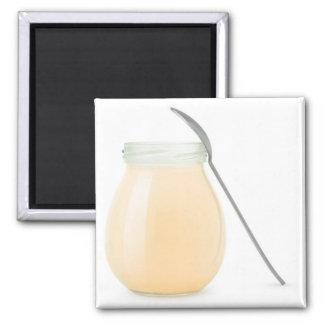 Aimant Ouvrez le pot de yaourt aux fruits