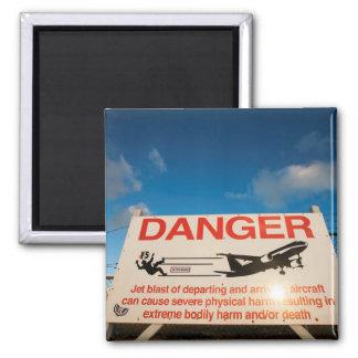 Aimant Panneau d'avertissement près d'aéroport de St
