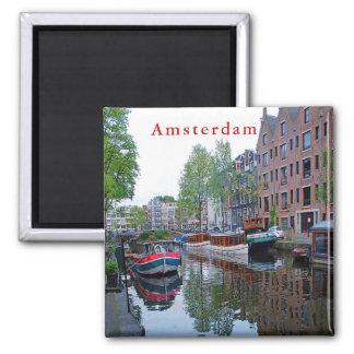 Aimant Port sur le canal à Amsterdam