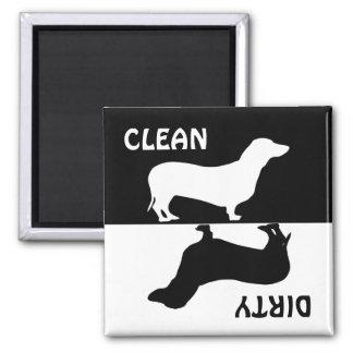 Aimant propre sale de lave-vaisselle de chien de t