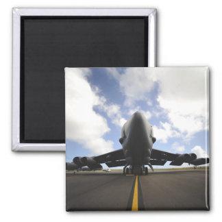 Aimant Un équipage d'entretien de l'Armée de l'Air d'USA