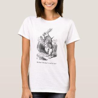 Alice dans le T-shirt d'illustration de lapin du