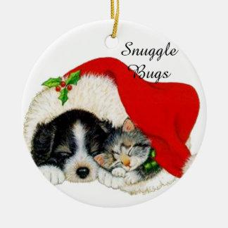 Amis chat de câlin et ornement de Noël de chien