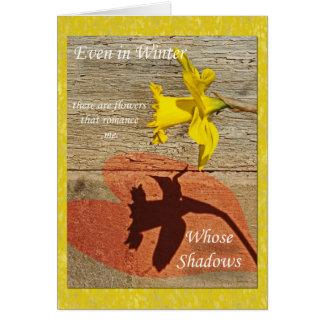 Amour dans l'ombre d'une jonquille carte de vœux