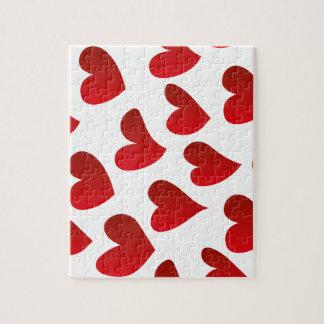 Amour rouge de coeur peint par motif puzzle