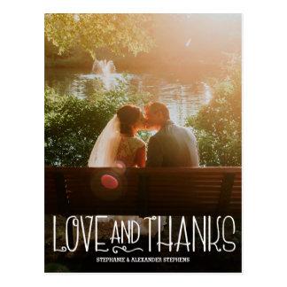 Amour vertical et mercis épousant le carte de
