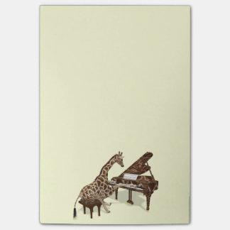 Amours doux de girafe pour jouer le piano post-it®