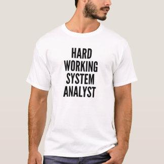 Analyste fonctionnel dur de fonctionnement t-shirt