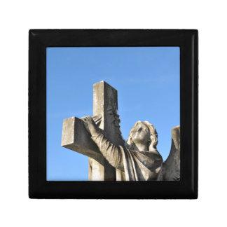 Ange et croix boîte à souvenirs