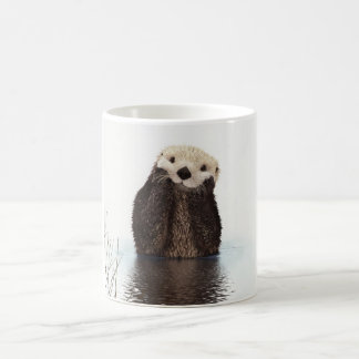 Animal pelucheux adorable mignon de loutre mug