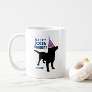 Anniversaire noir drôle de coutume de chien de mug blanc